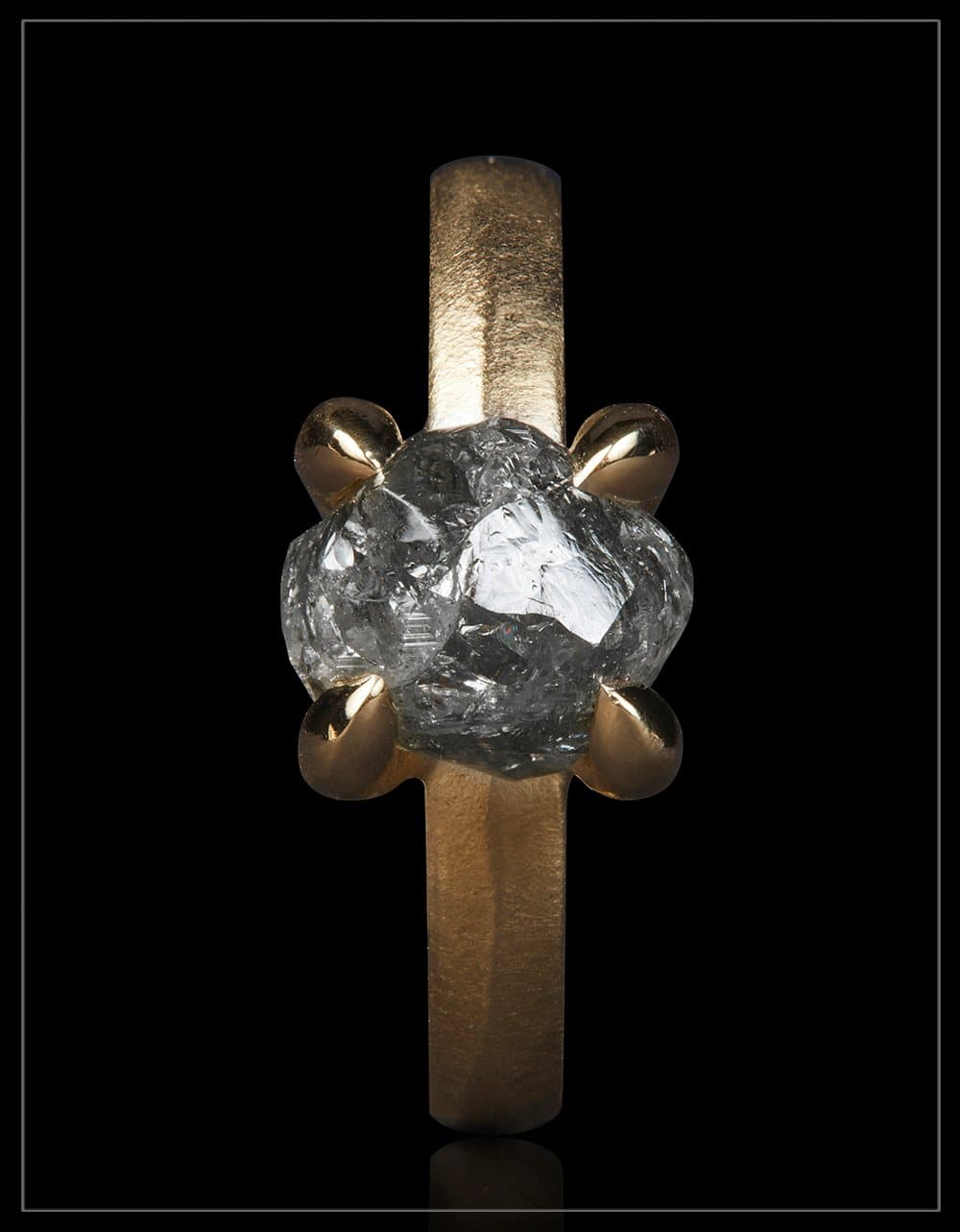 Natural Black Rock from Lesotho - <strong>3.85 ct.</strong>