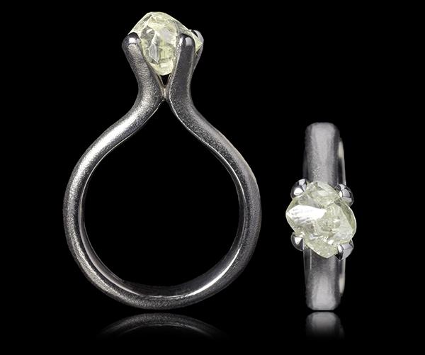 <strong>3.05 ct.</strong> Natural Rough diamond in 14K white gold ring