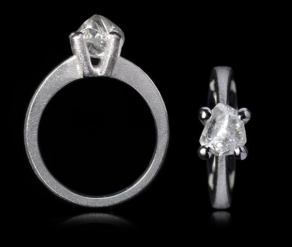 <strong>2.26 ct.</strong> Natural Whitish Rough diamond in 14K white gold ring