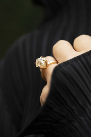 Exquisite Light Yellow Diamond Ring - <strong>8.49 ct.</strong>