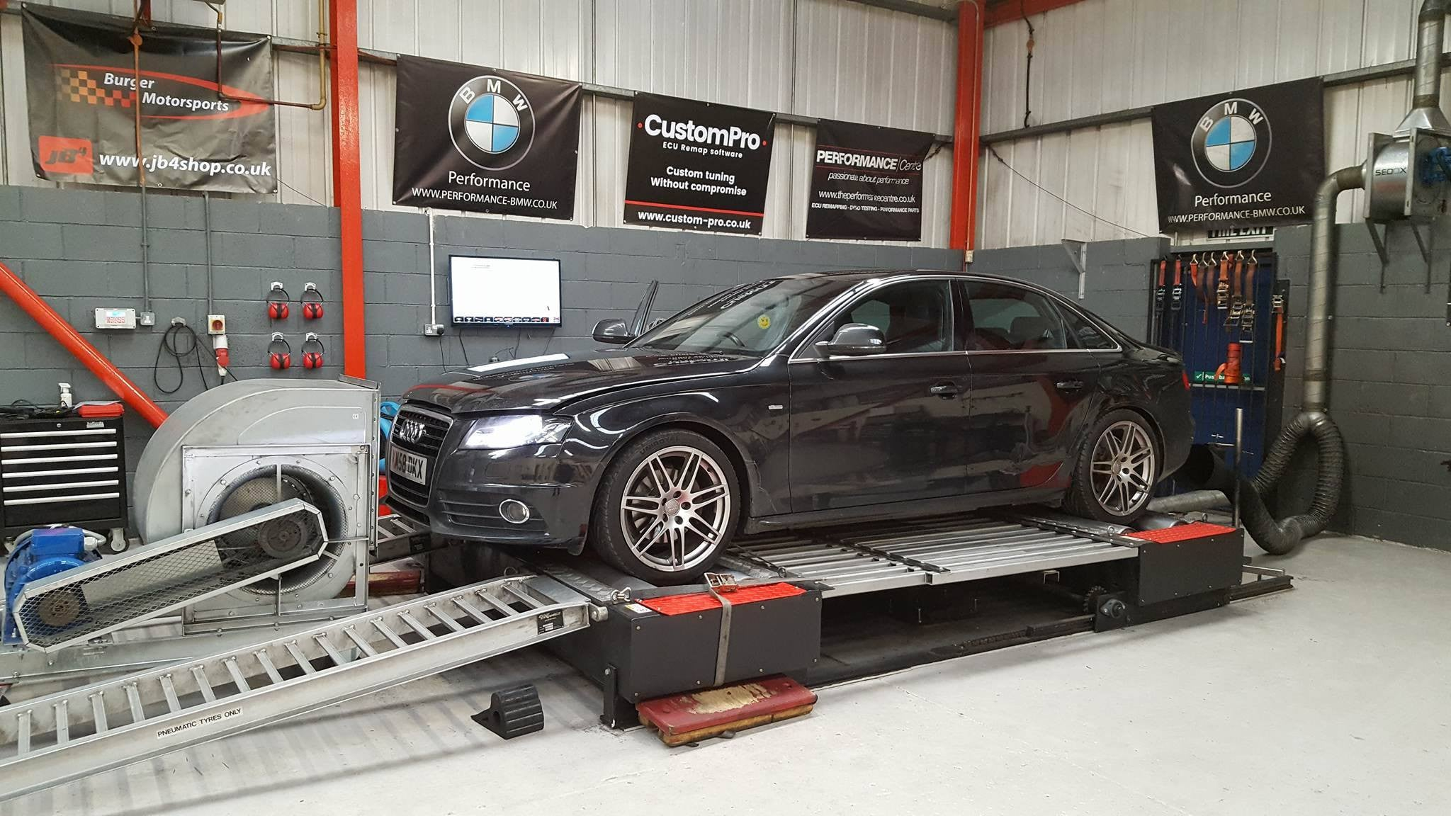 Audi A4 B8 3.0 240 - CustomPro remap software