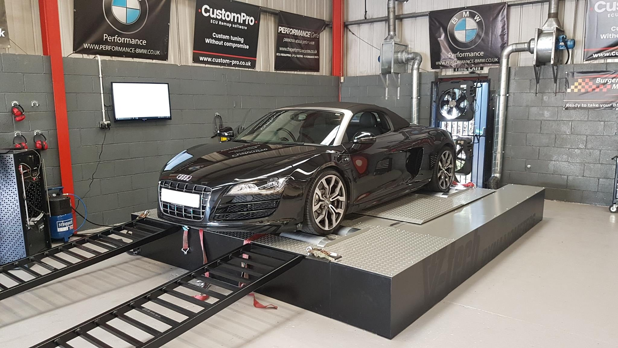 Audi R8 V10 - CustomPro software