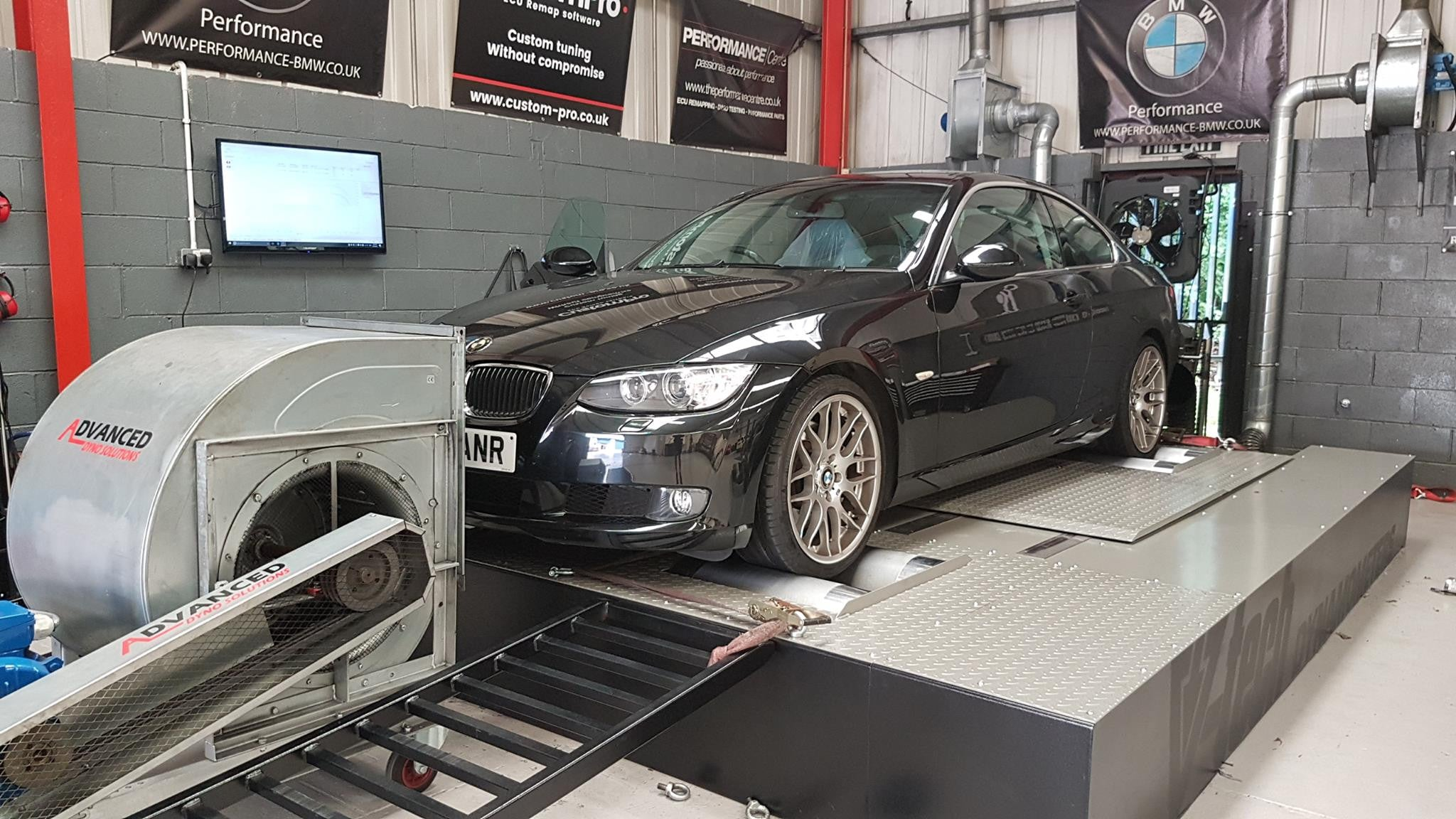 BMW 330d 231 - CustomPro remap