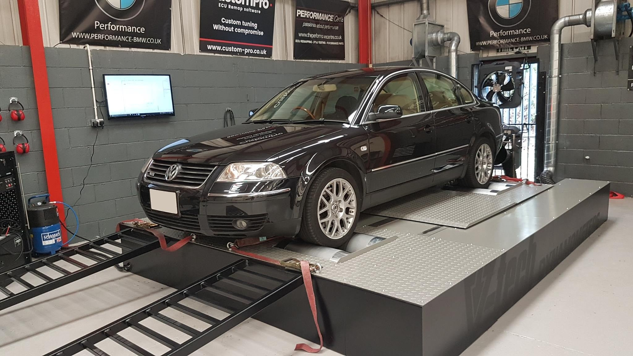 Volkswagen Passat W8 4.0 - CustomPro remap