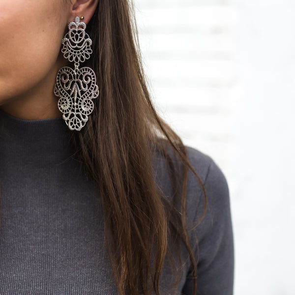 COLETTE INSIDER: STATEMENT EARRINGS THROUGH THE DECADES... image