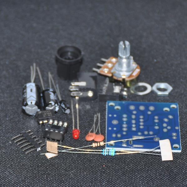Mini audio amplifier kit with LM386