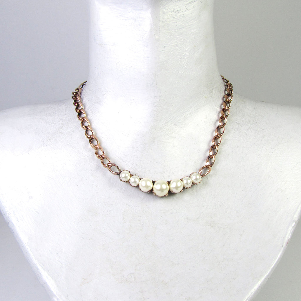 Essentially Vicki Pearl Necklace Gold