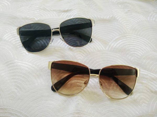 Stylish frame sunnies