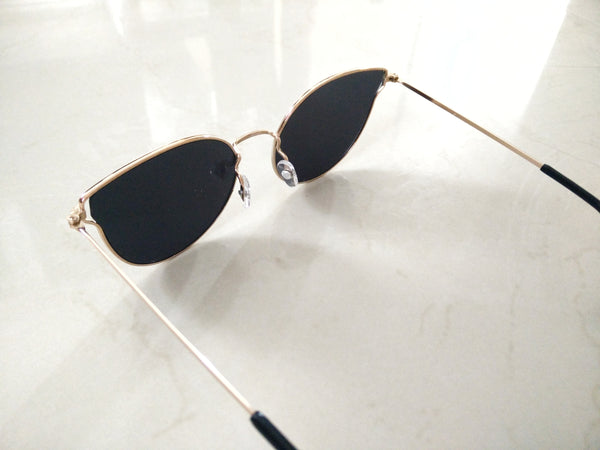 Butterfly mirrored lens sunnies