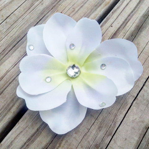 White Magnolia Bridal Hair Flower - #QtsyLife  Fashion and Planner Accessories - QtsyLife.com
