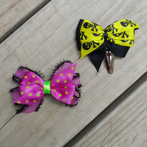 Skulls & Stars Halloween Mini Hair Bow Set - #QtsyLife  Fashion and Planner Accessories - QtsyLife.com