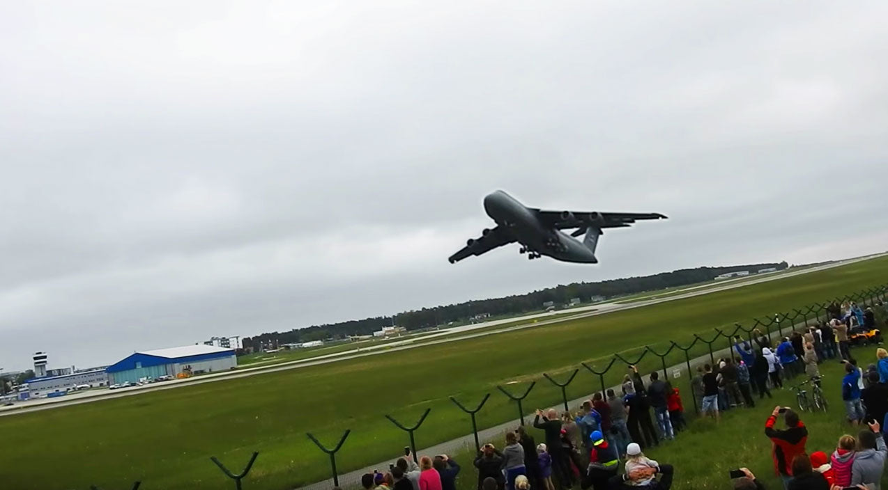 Takeoff Songs | This C-5 Galaxy Screams As It Performs An Extremely Short Take Off | Frontline Videos