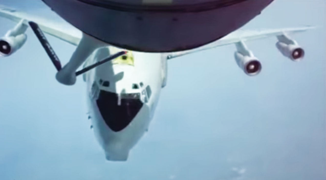 Tanker Songs | Tanker Nearly Takes Out Plane It's Supposed To Refuel | Frontline Videos