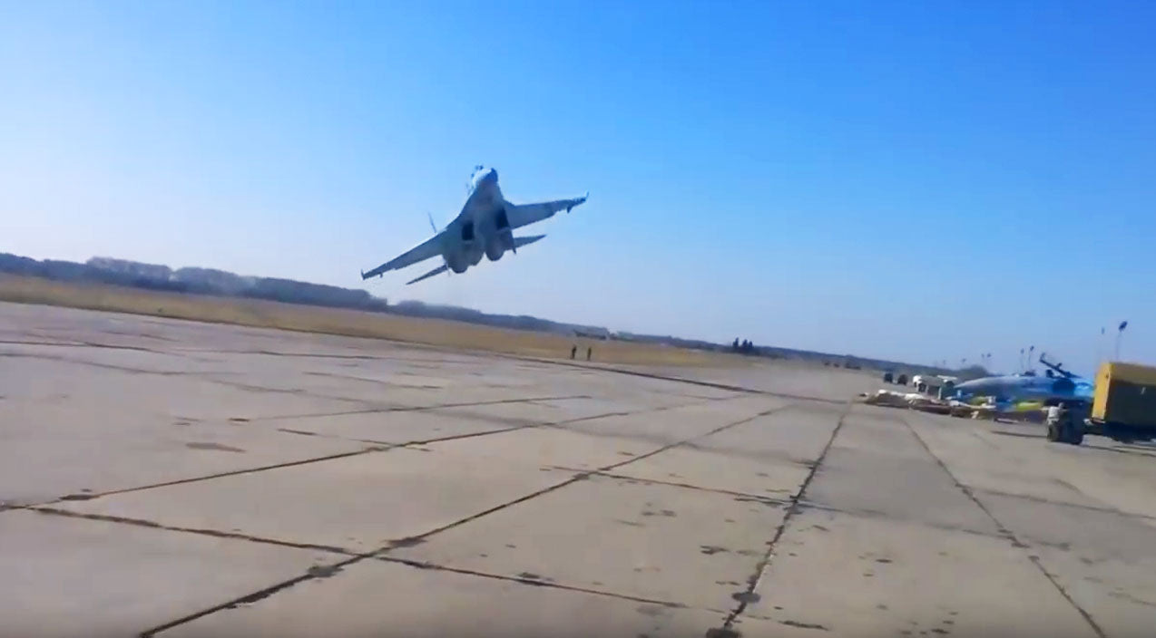 Su-35 Songs | Crazy Su-27 Pilot Nearly Loses It On Takeoff- Floors A Guy | Frontline Videos