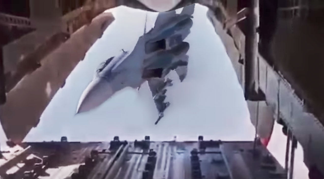 Su-30 Songs | Su-30SM Just Tried To Peek Its Nose Into Cargo Hold And Disappeared Inverted | Frontline Videos
