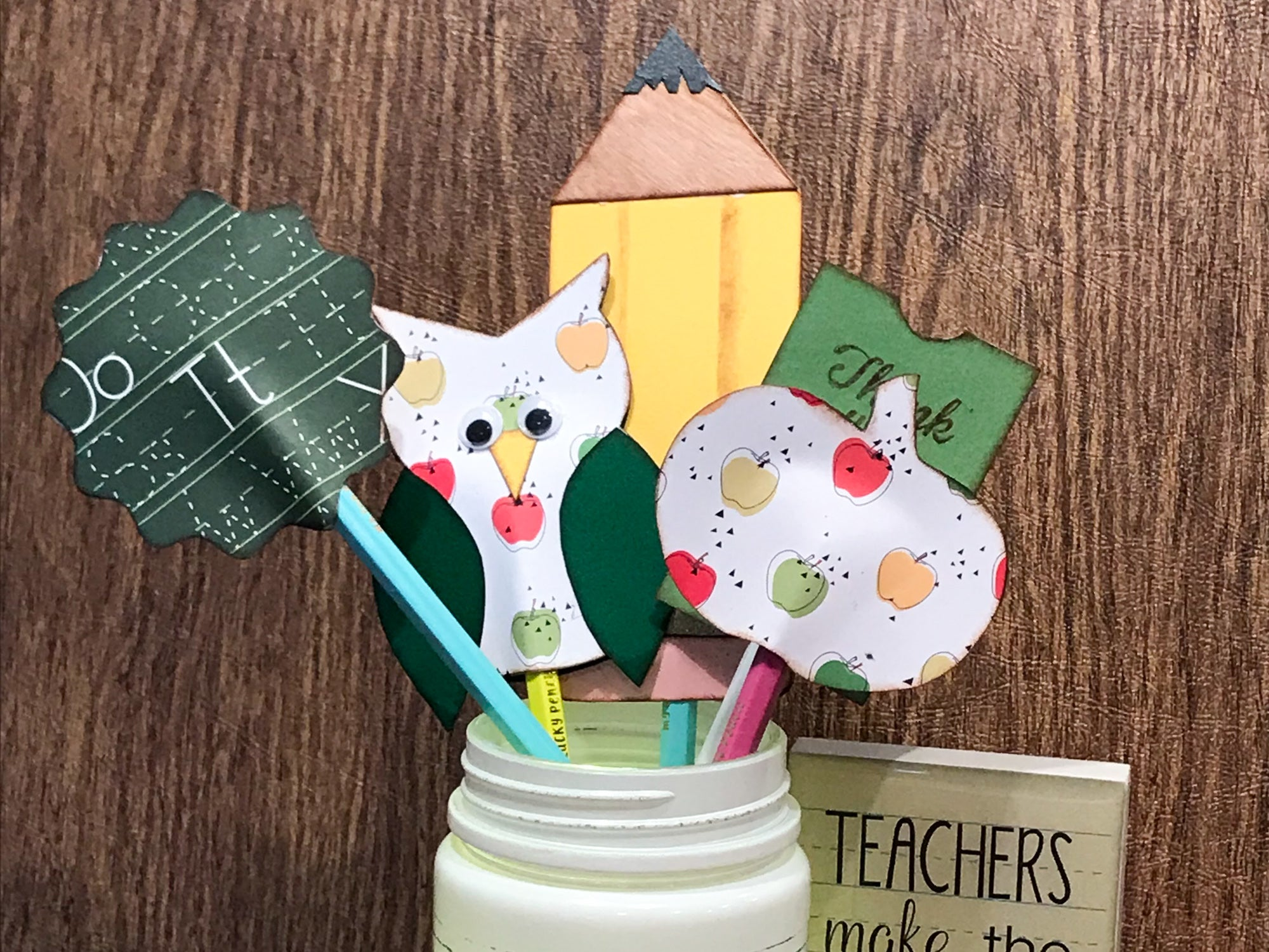 DIY Teacher Appreciation Pencil Topper