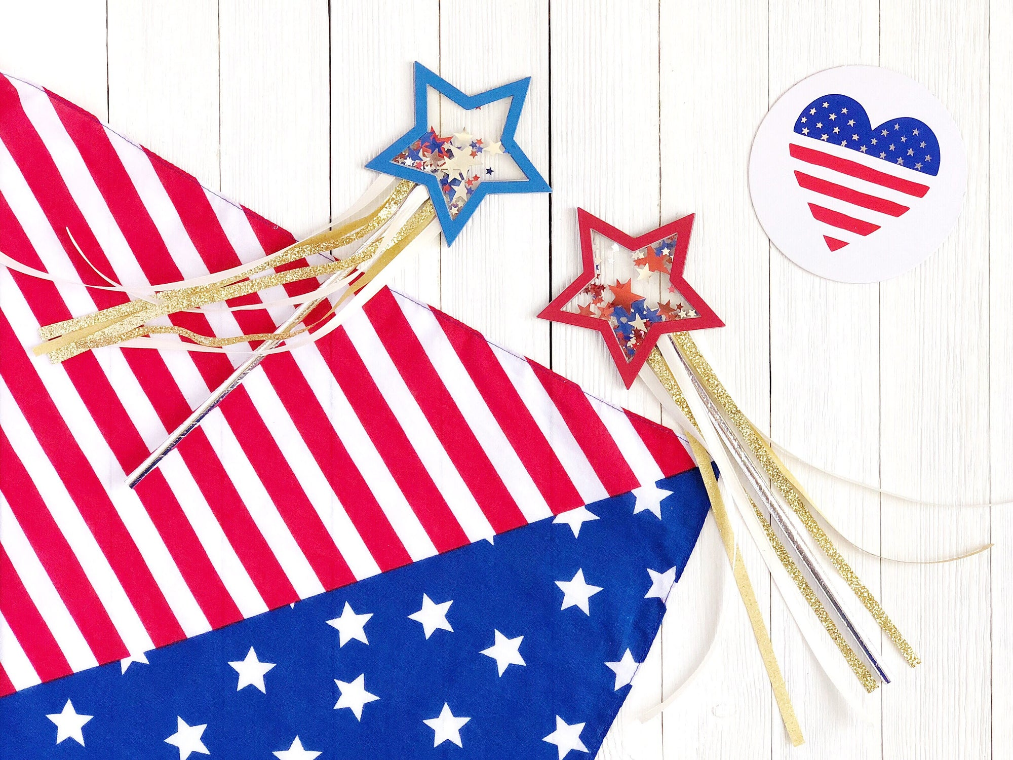 DIY Paper Star Fourth of July Parade Wands