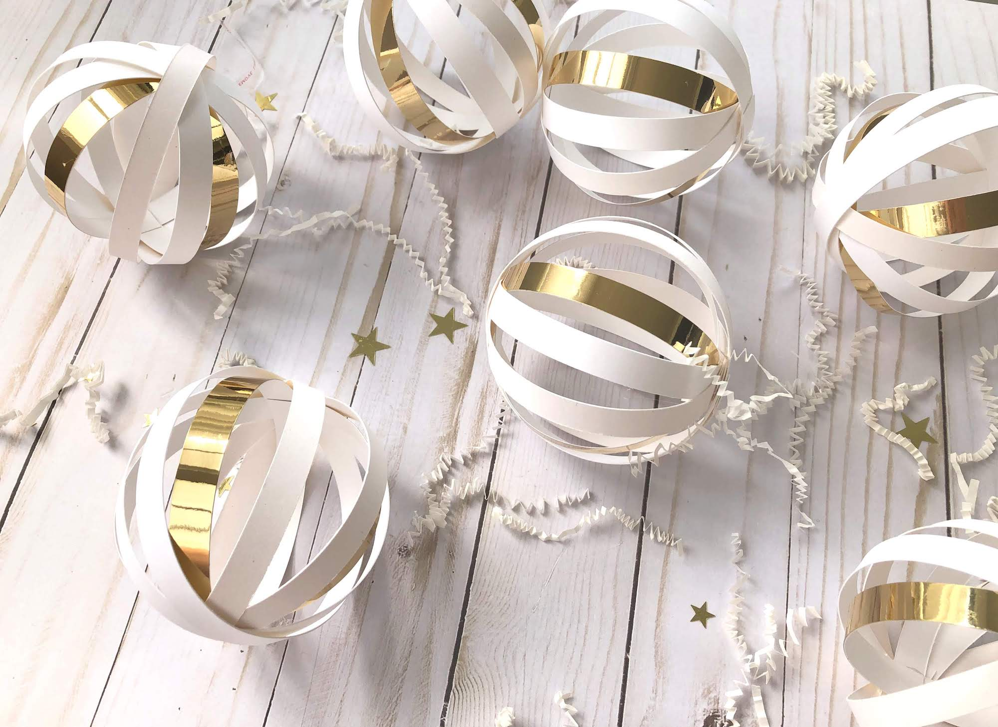 DIY Wedding Paper Ball Garland