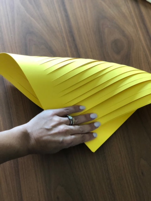 DIY Sculpted Cardstock Paper Vase Curling