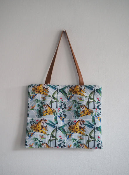 Janfive Studio Flat Tote Bag - The Jungle