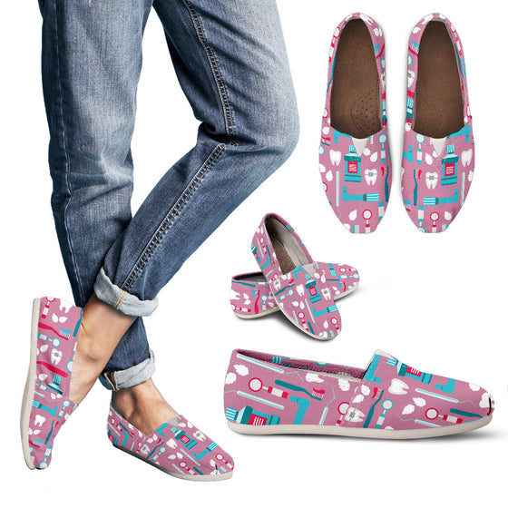 Pink Dental Instrument Pattern Women's Casual Shoes