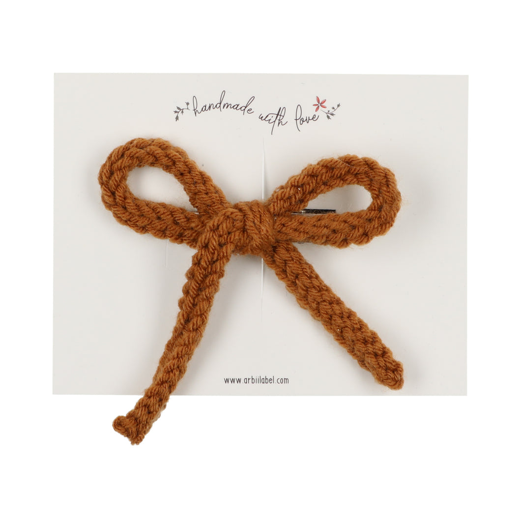 Cognac Crochet Single Clip