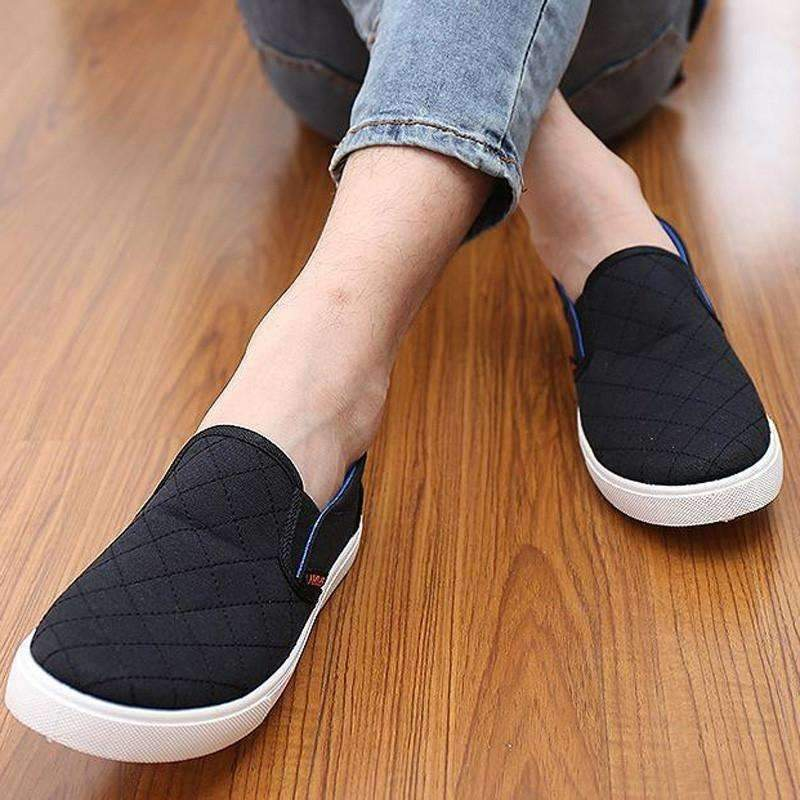 DeeTrade Shoes Fan (2 colors)