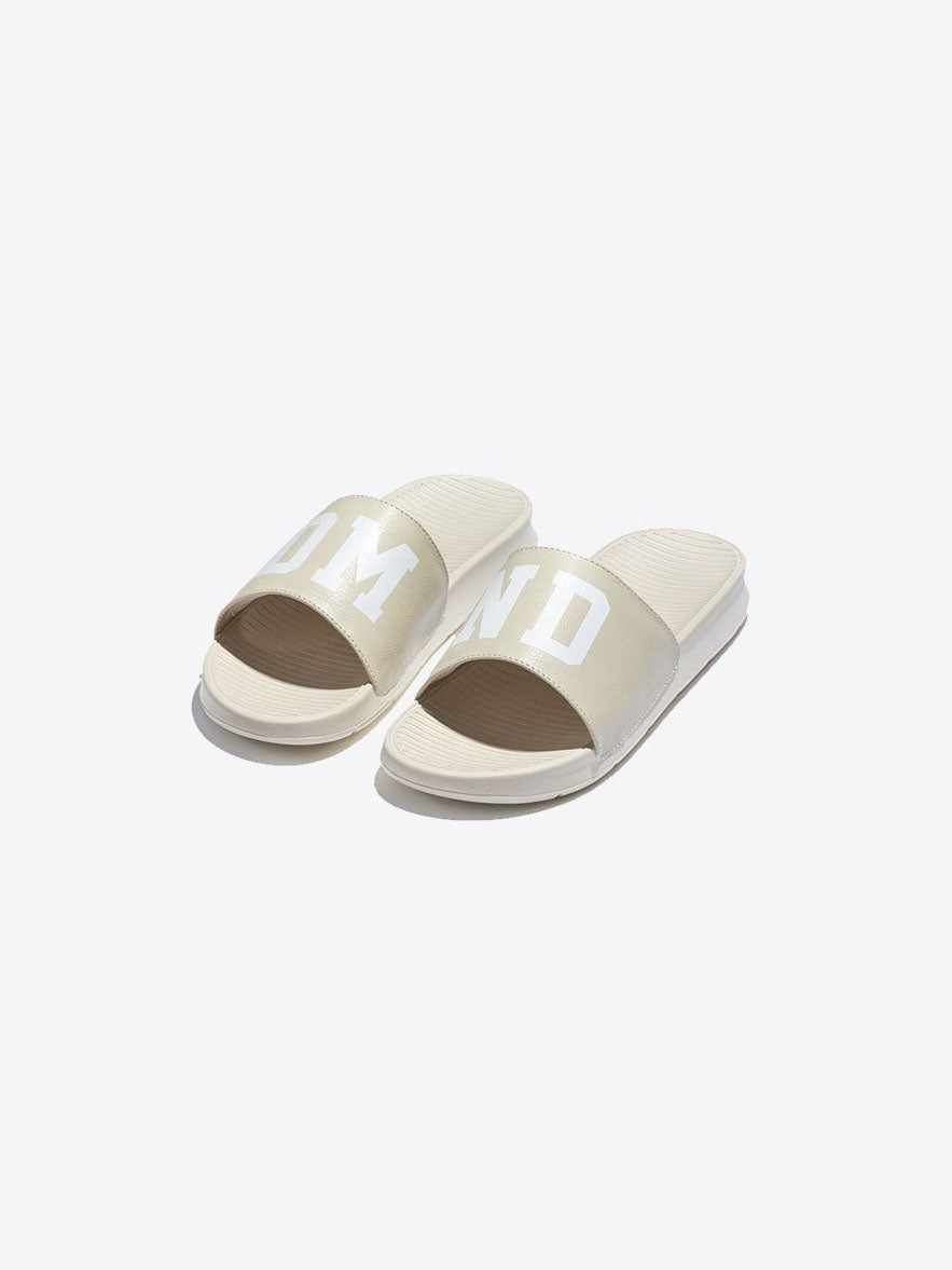 9852702c7877 SLIDES - Diamond Supply Co.