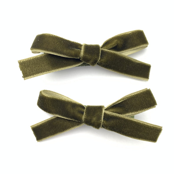 Green Velvet Ribbon Pigtail Bows Alligator Clips - 2 Bows - Baby Wisp