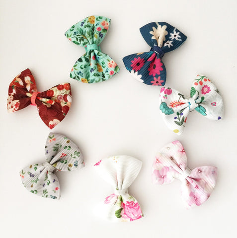 7 Small Snap Classic Bows - Floral Ribbon Bow Collection - Baby Wisp