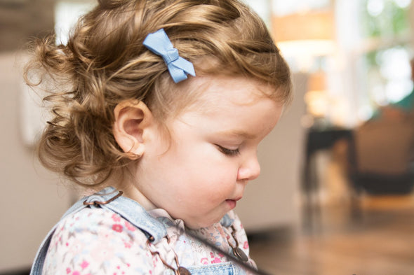 Small Snap Chelsea Boutique Bow - Single Hair Bow - Blue Bell - Baby Wisp