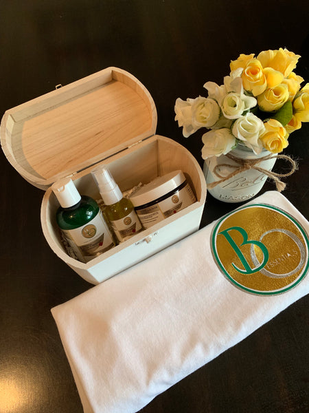 White Vintage Gift Box Set/Rejuvenating Healthy Skin Care Collection