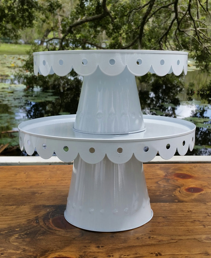Scalloped Cake Stand - Medium