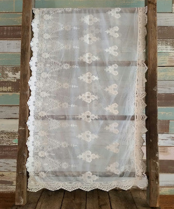 Table Runner - Aged White Lace