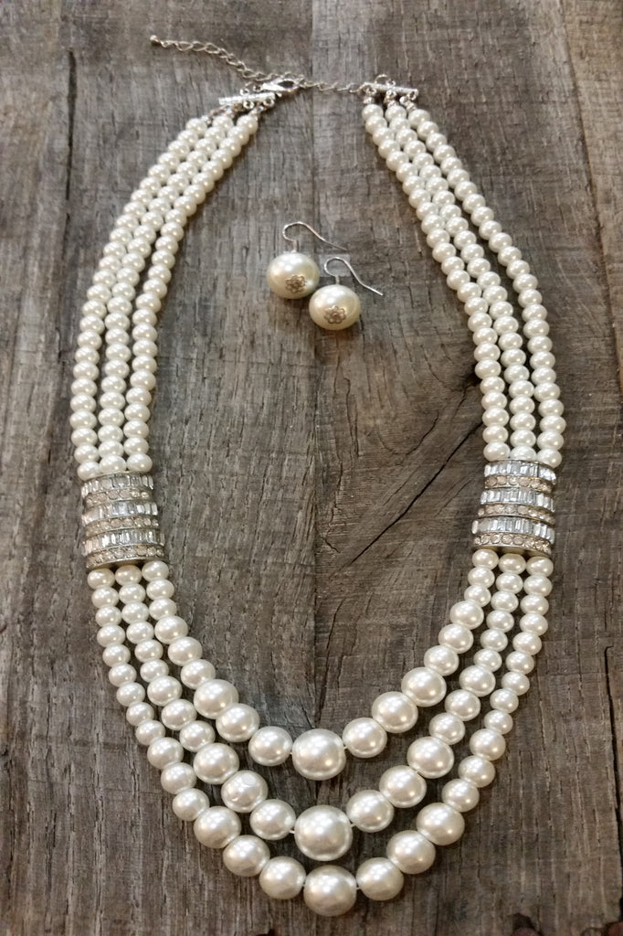 Necklace & Earring Set - White Pearls