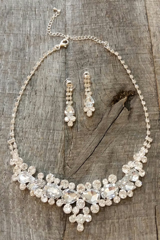 Necklace & Earring Set - Clustered