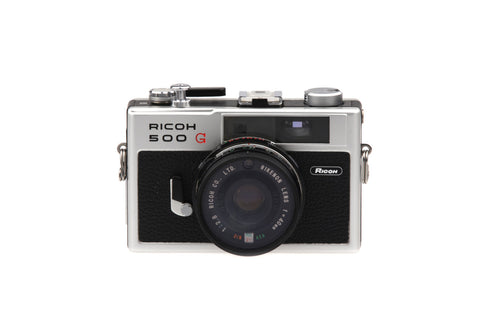 Ricoh 500 G Rangefinder 35 mm Camera 40 mm 1:2.8 lens.. Retro Photography Retro Camera Vintage Pictures..