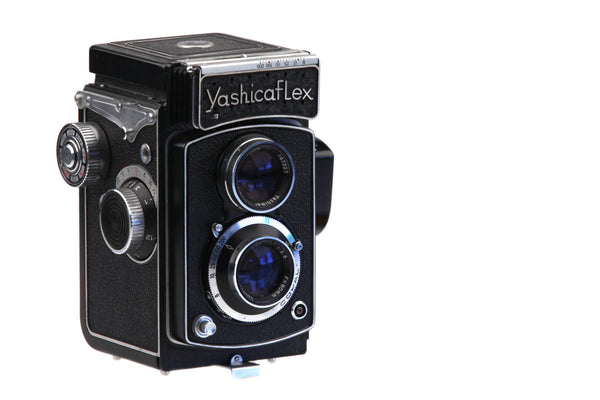 Yashicaflex Model AS-II w/ built-in light meter and Copal Shutter Medium Format TLR Camera Yashimar lens 80mm..