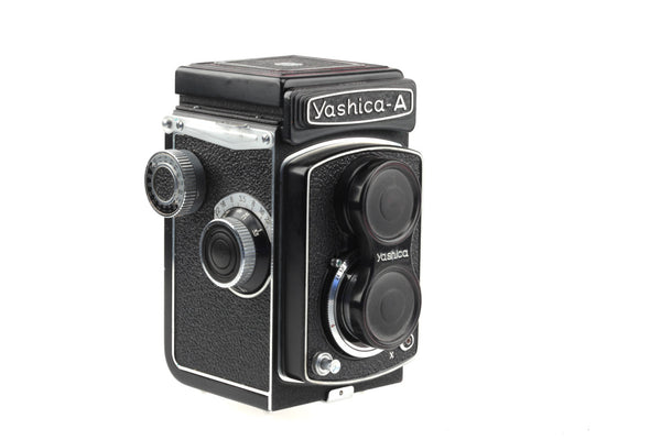 Yashica A - 6x6 cm Film Camera - Tlr With Crank - Collectable -  1960's - Yashica-A - Original Camera Bag