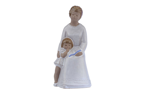 JIE Gantofta Sweden Mother with Girl Figurine Designed Edit Risberg