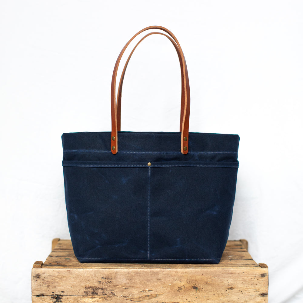 Mountain Laurel Tote - Navy