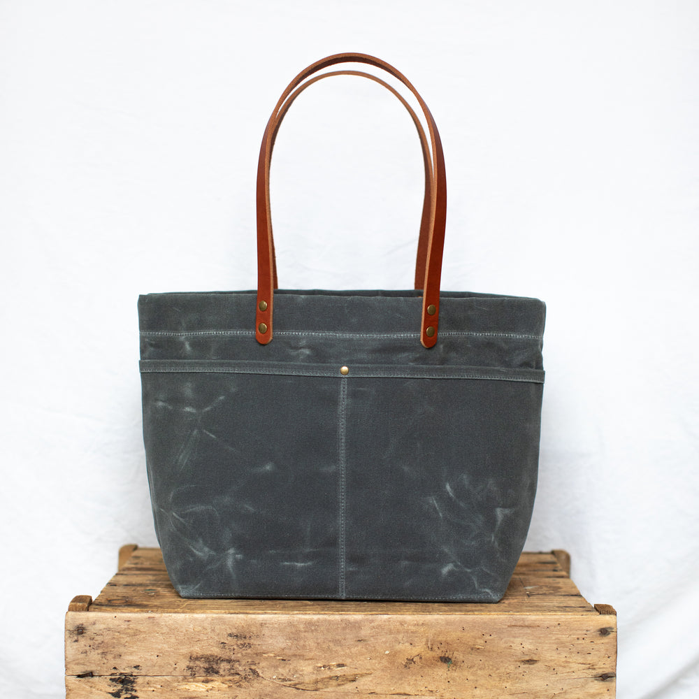Mountain Laurel Tote - Charcoal
