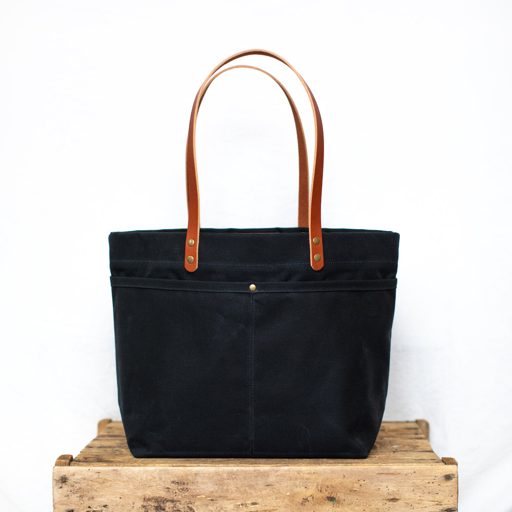 Mountain Laurel Tote - Black