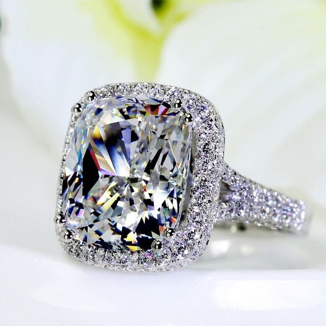 8 CARAT CUBIC ZIRCONIA SET IN 14K WHITE GOLD-FILLED ENGAGEMENT RING