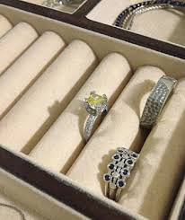 STORE JEWELRY IN SEPARATE COMPARTMENTS