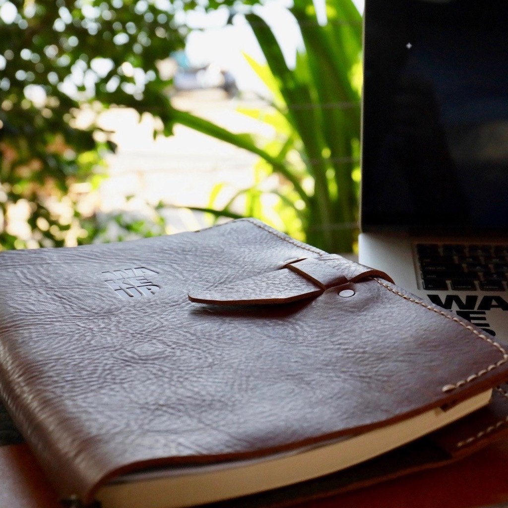 Large Leather Notebook - Buckle Closure - The WAKEUP Company