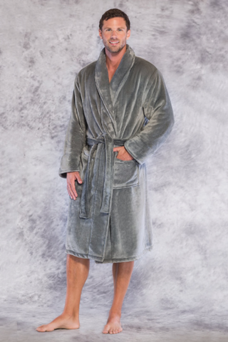 Microfleece robe in gray.