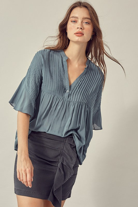 PLEATED FLOWY TOP in slate green