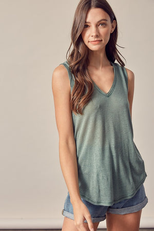 WASHED V-NECK TANK TOP (WASHED GREEN)