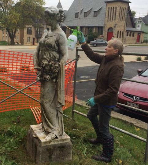 Freeport's former Carnegie Library statues get a facelift